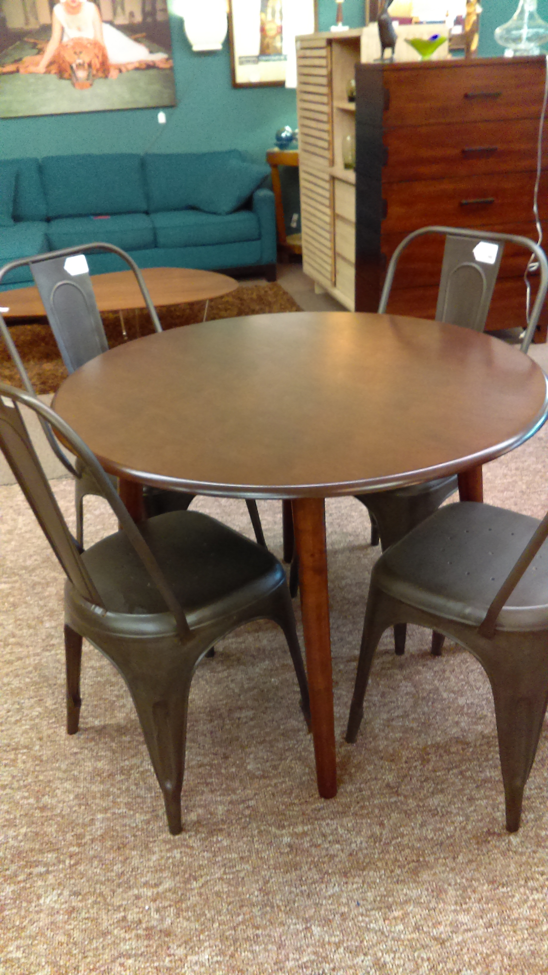 Round walnut kitchen table 150 the furniture guy for Furniture guy seattle