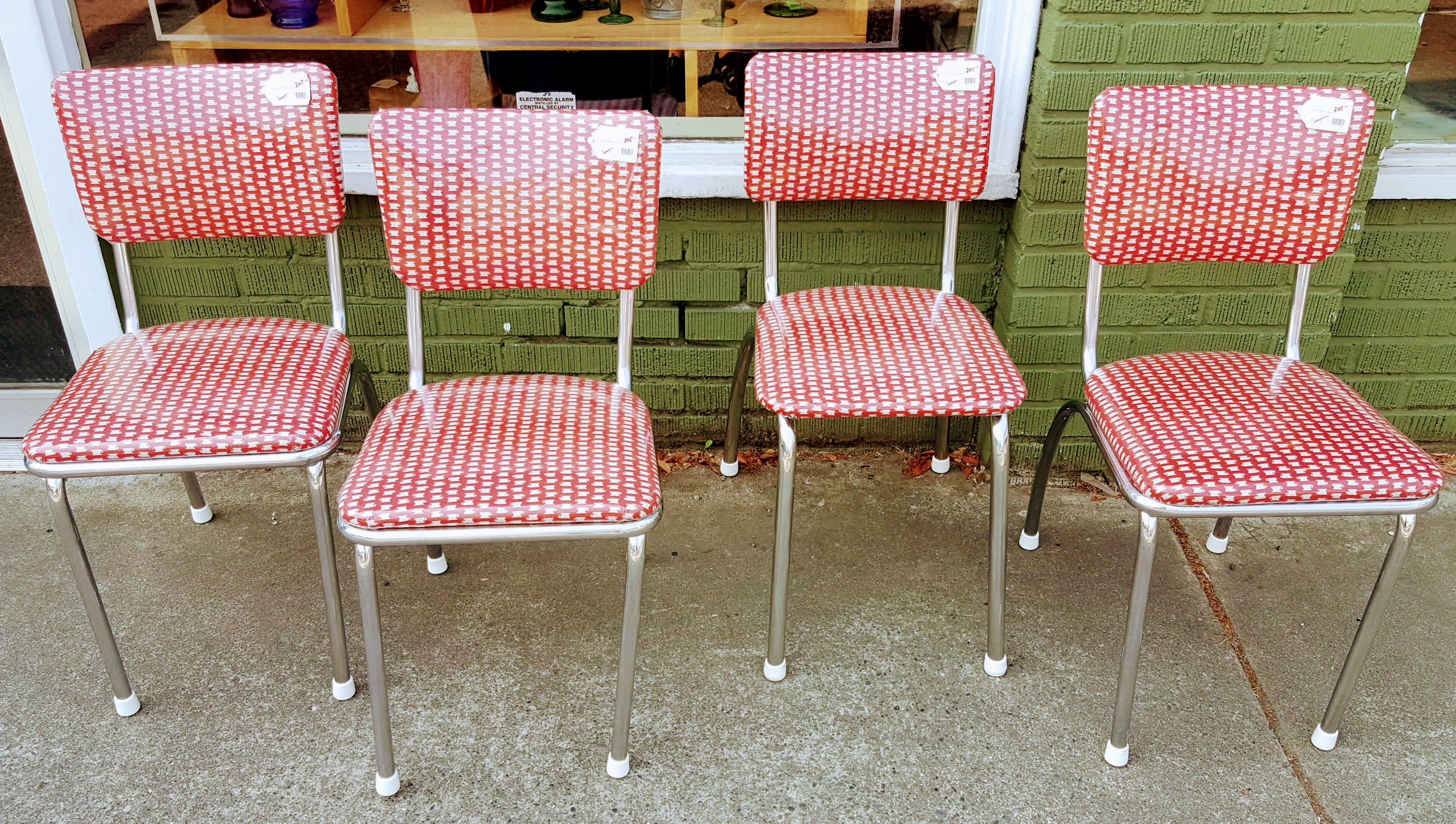 Vintage set coffee cup chairs 205 office furniture for Furniture consignment bellevue